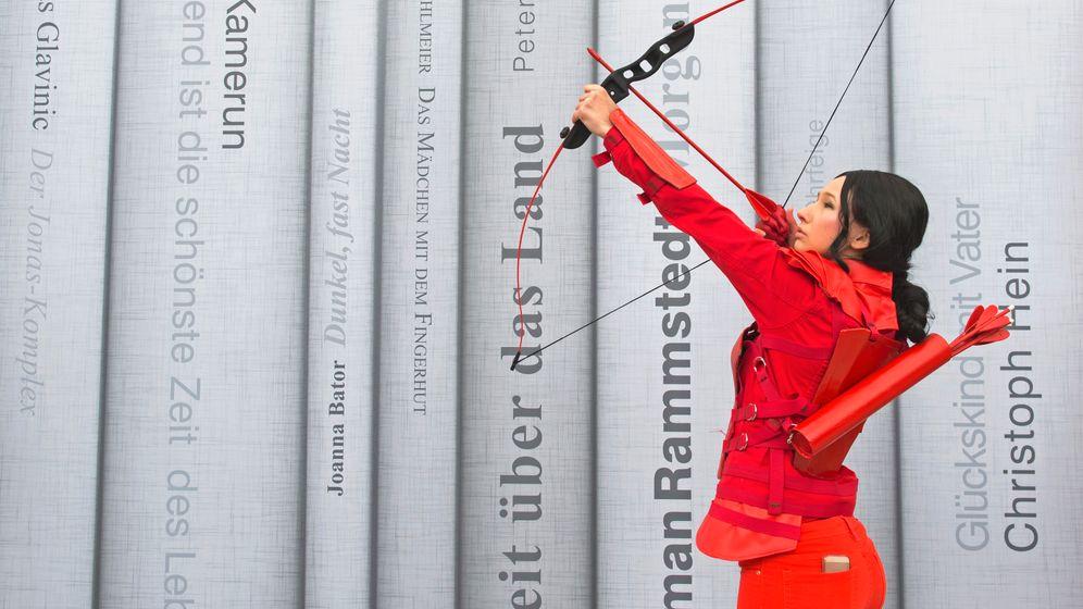"""Buchmessenbildern: Zwischen """"Compact"""" und Cosplayern"""