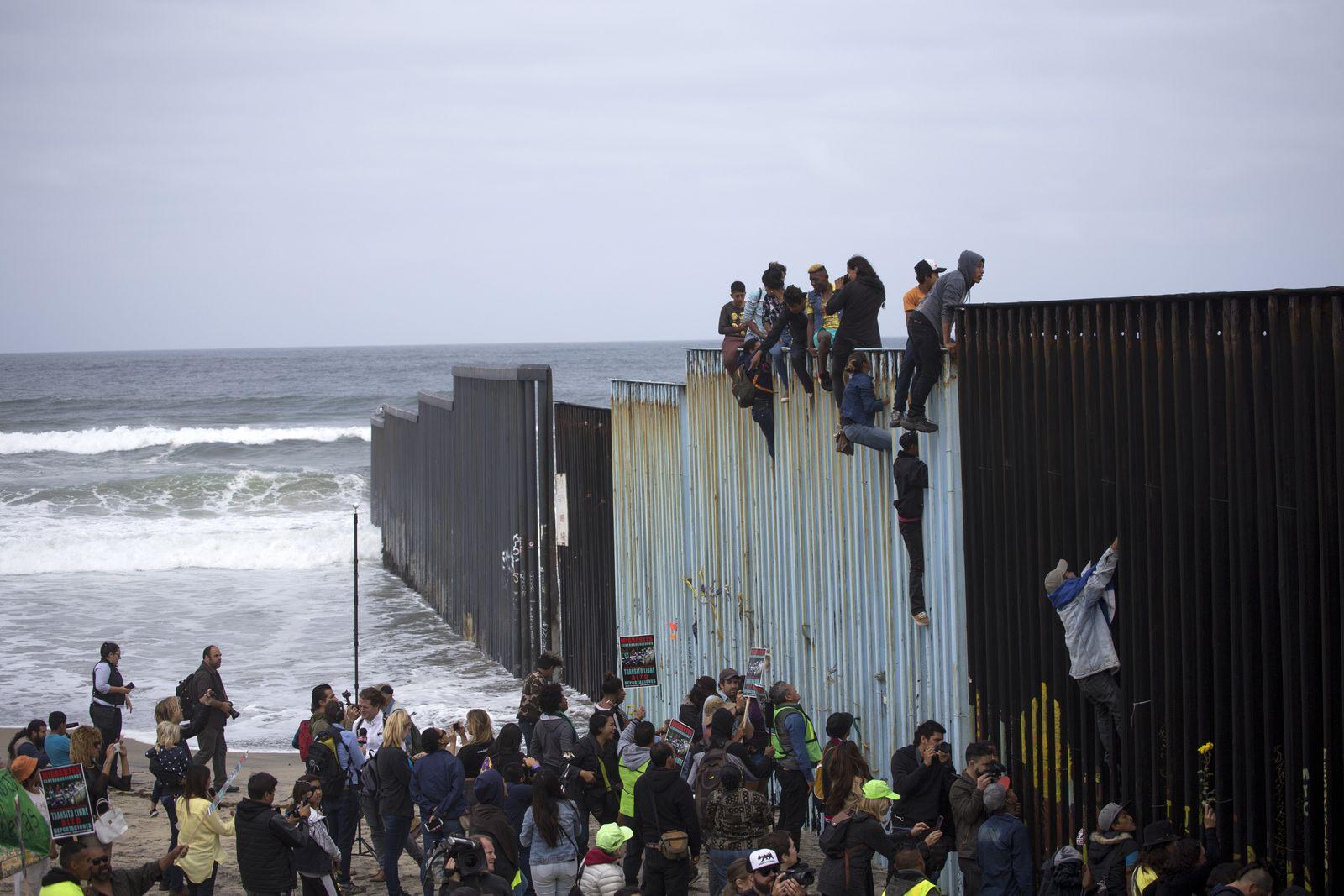 Zentralamerikanische Migranten an der mexikanischen Grenze
