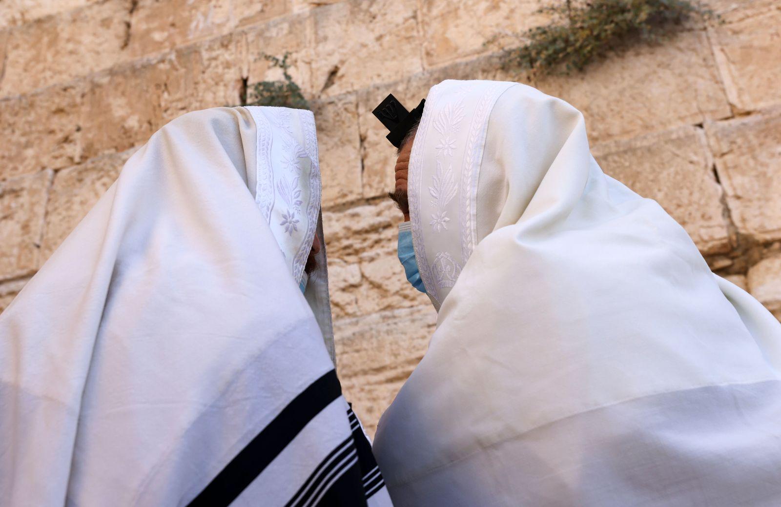 ISRAEL-HEALTH-VIRUS-RELIGION