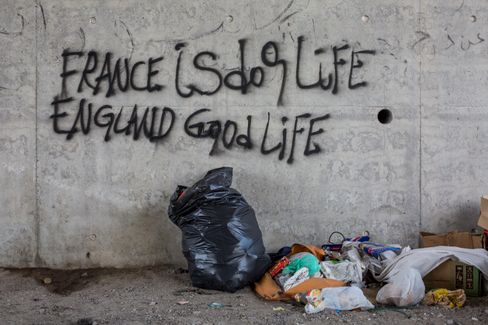 """Frankreich ist Hundeleben, England gutes Leben"": Graffito in Flüchtlingscamp bei Calais"