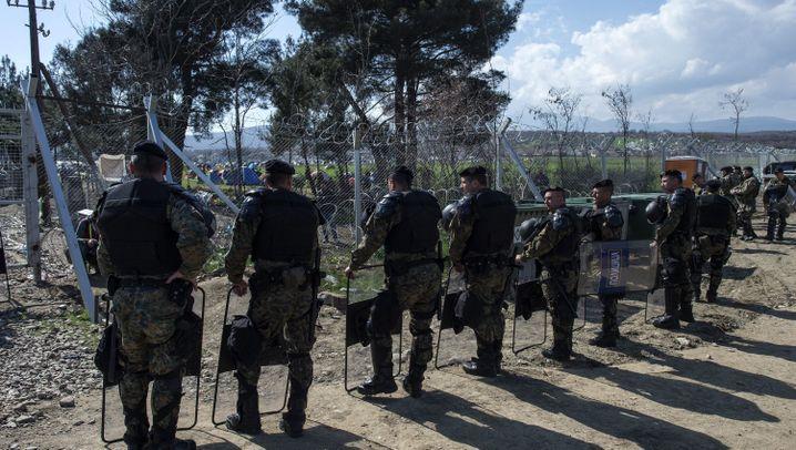 Grenze Griechenland - Mazedonien: Frust in Idomeni