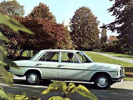 """Der Mercedes-Benz """"Strich-Acht"""" hieß werksintern W 114 oder W 115"""