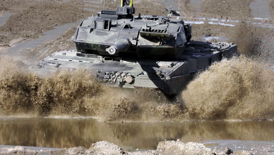 Reports that Chancellor Angela Merkel's government intends to sell 200 tanks to Saudi Arabia have generated consternation in Berlin.