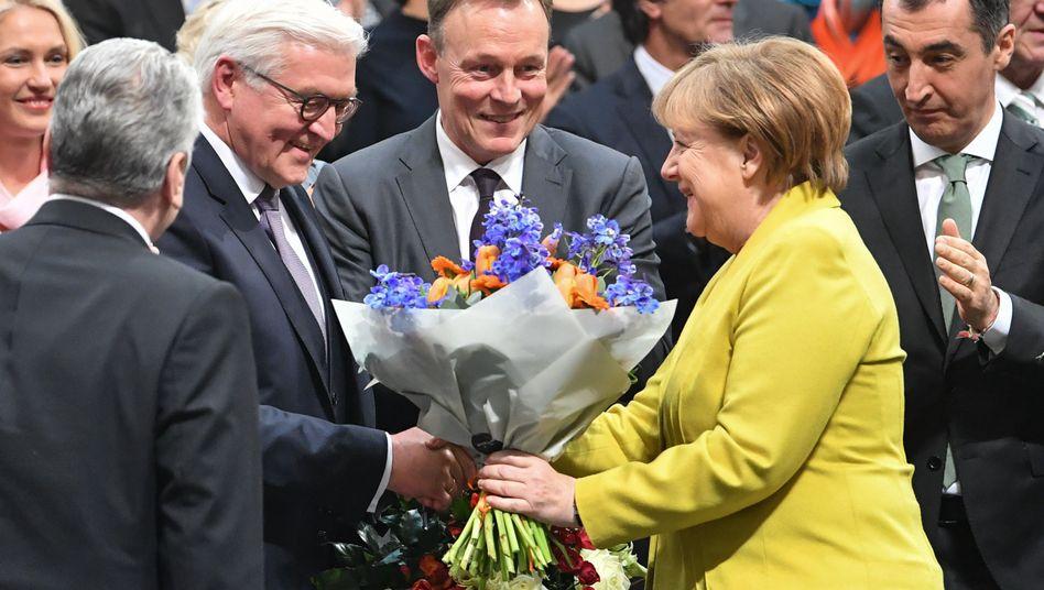 Angela Merkel gratuliert Frank-Walter Steinmeier