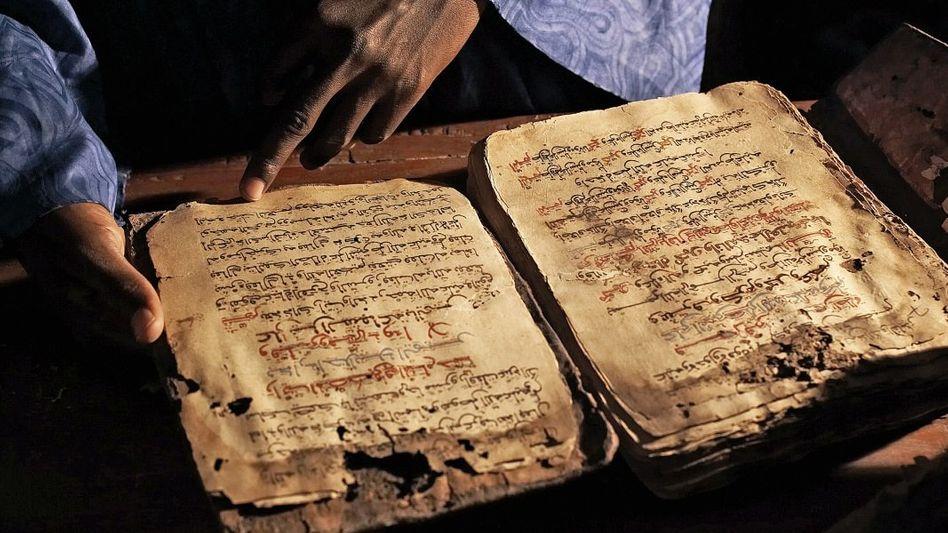 Bücher aus Bibliothek in Timbuktu