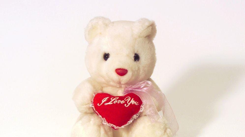 Liebeskummer-Museum: Ein Kleid, ein Teddy, eine Axt