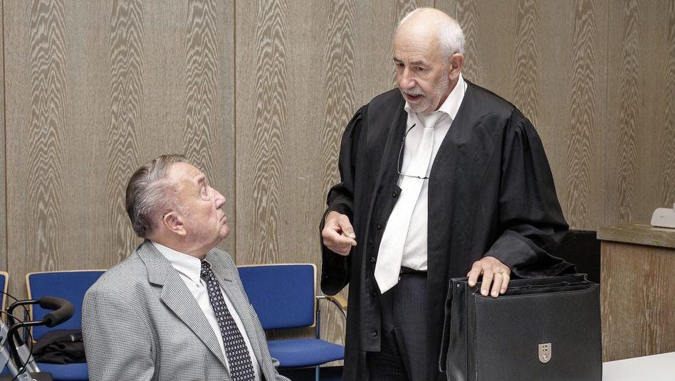 Angeklagter Meyer, Verteidiger Beust