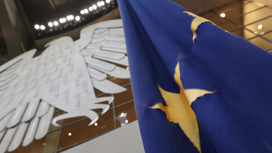 EU-Flagge im Bundestag