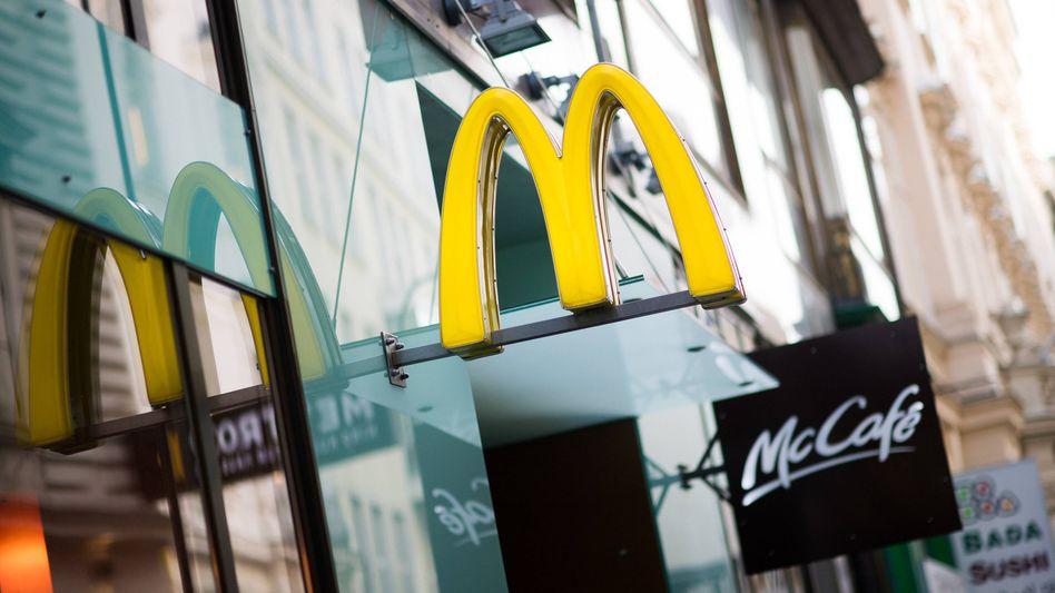 McDonald's-Filiale: Bis 2025 weitgehend ohne Plastik