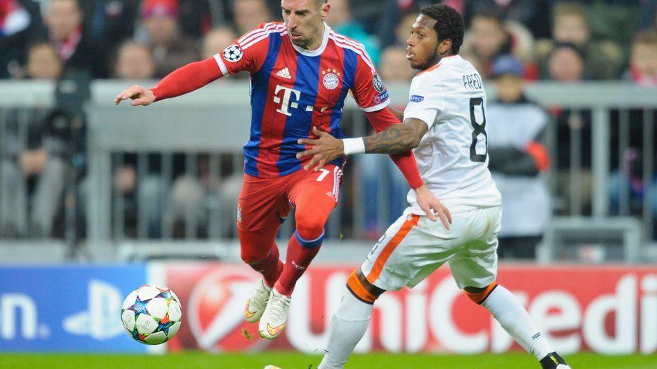 Fred (r.) gegen Ríbery: Verlor das Achtelfinalrückspiel mit Donezk 0:7 in München