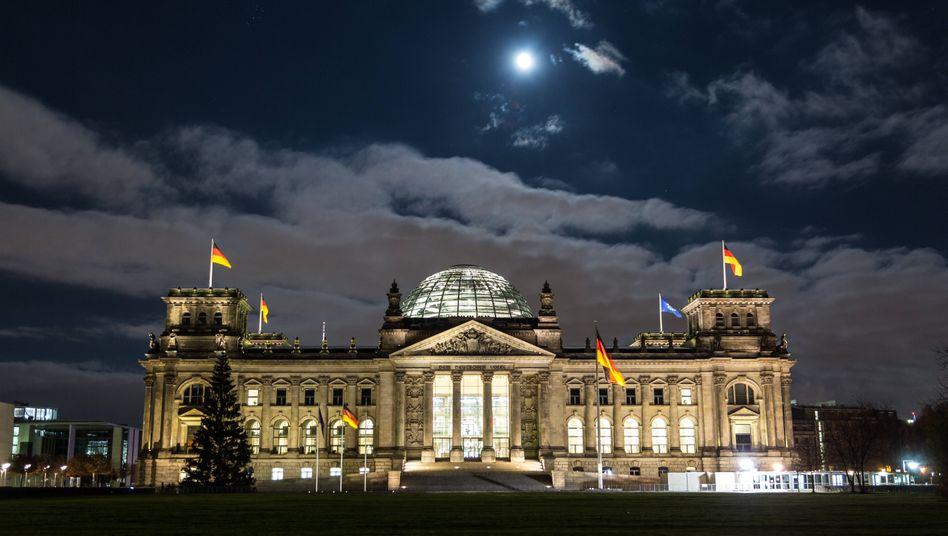 Sitzung bei Nacht? Heute könnten die Abgeordneten etwas länger im Bundestag diskutieren