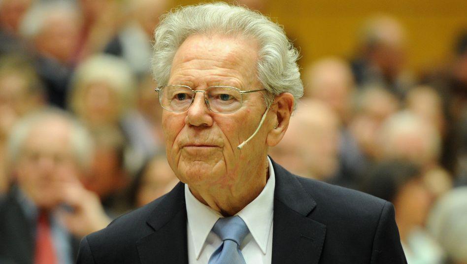 Theologe Hans Küng denkt über Tod durch Sterbehilfe nach - DER SPIEGEL