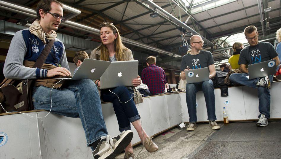 Mac-Nutzer (Symbolbild): Müssen weiter auf Update warten