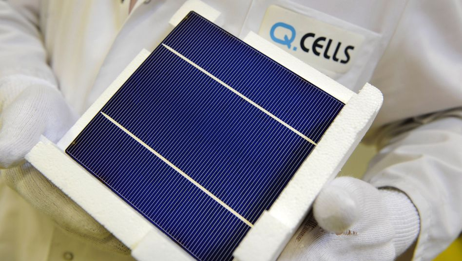 German solar panel manufacturer Q-Cells filed for bankruptcy on Tuesday.
