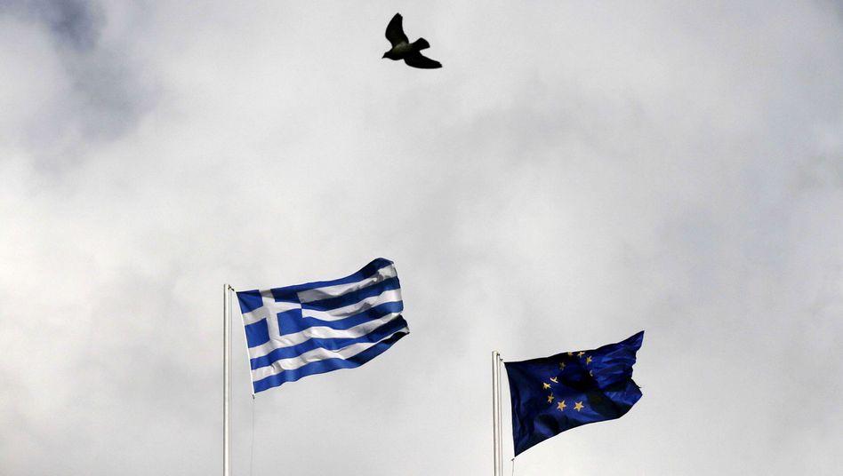 Griechische und EU-Flagge: Das Land braucht eine neue politische Kultur