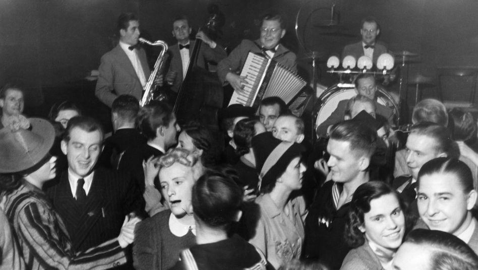 1939, abendliches Tanzvergnügen in Berlin