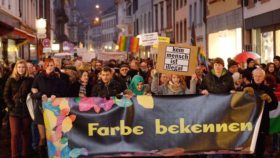 Demonstrationszug in Freiburg: 20.000 gegen Pegida