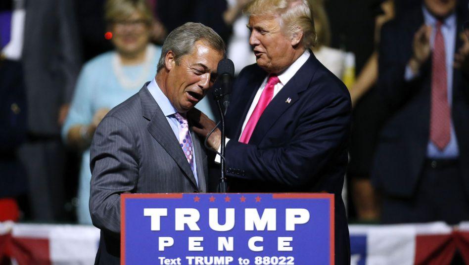 Nigel Farage und Donald Trump in Jackson