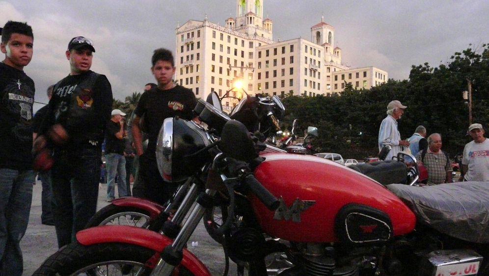 Kuba: Oldtimer auf zwei Rädern