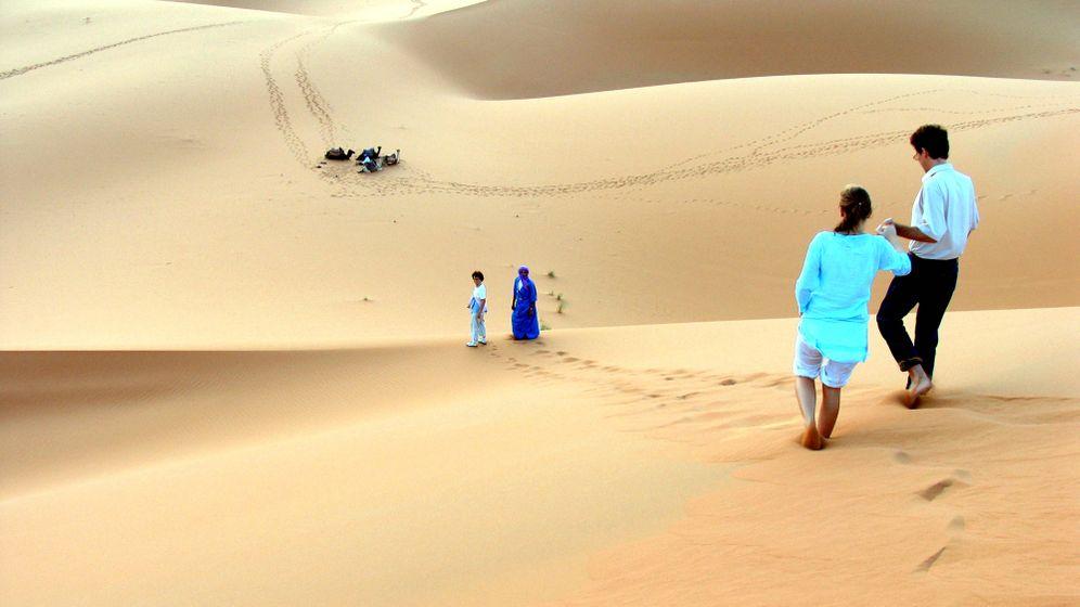 Wandern in der Wüste: Marokko mit Kamelen