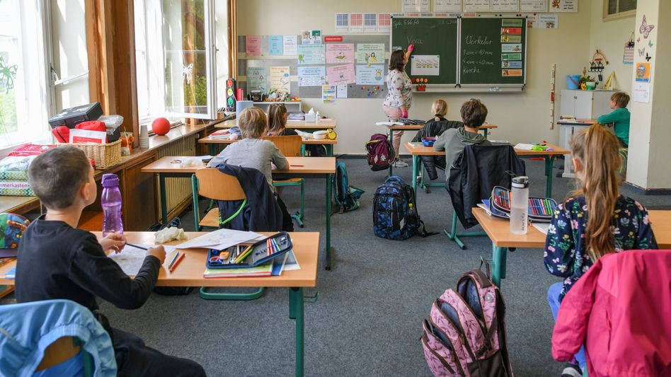 Schulkinder in Eisenhüttenstadt: Auch in diesem Schuljahr gibt es Noten