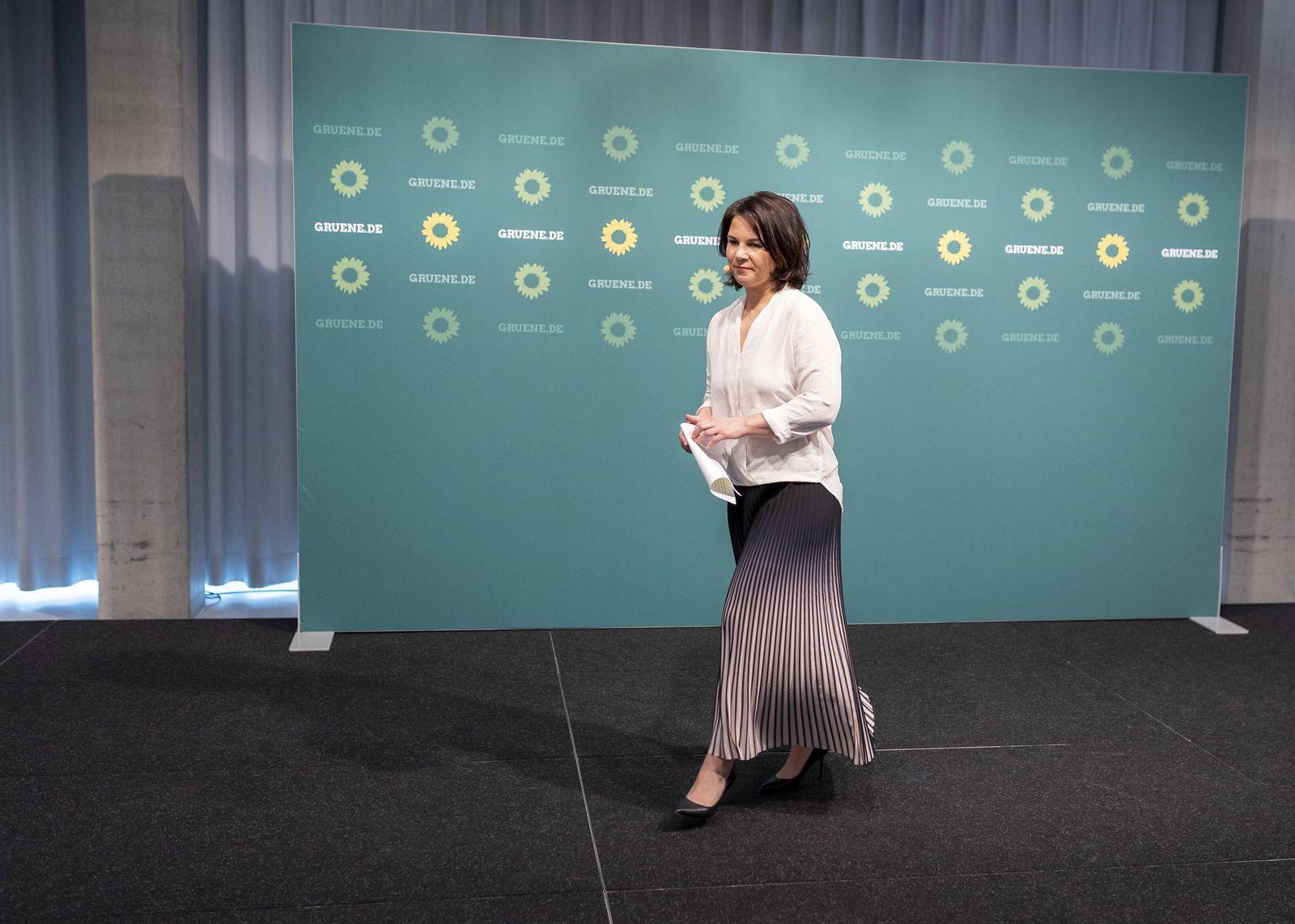 News Bilder des Tages Pressestatement von Annalena Baerbock, Bundesvorsitzende von BUENDNIS 90/DIE GRUENEN, nach Bekannt