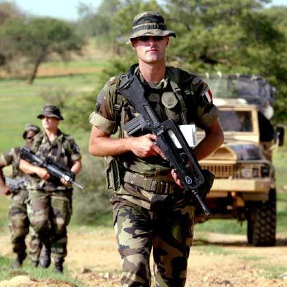 Französische Soldaten an der Grenze zum Sudan: Paris will auch die Darfur-Mission mit Soldaten unterstützen