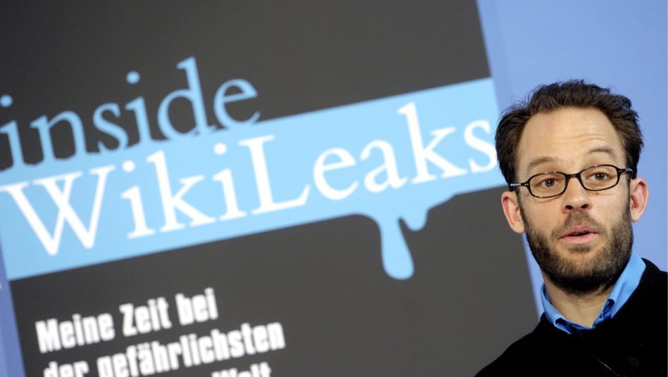 Former WikiLeaks deputy Daniel Domscheit-Berg, seen here in an archive photo, claims to have shredded thousands of documents entrusted to WikiLeaks.