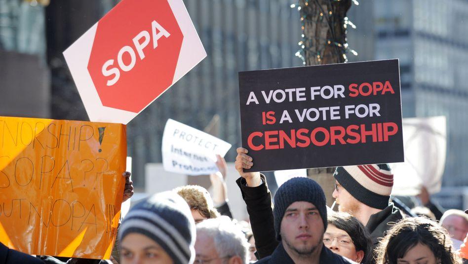 Protest gegen Online-Zensur in New York (2012): Hollywood ärgert sich über Suchmaschinen