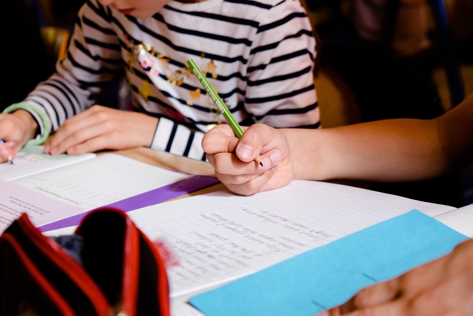 EINMALIGE VERWENDUNG Grundschule Schreiben lernen