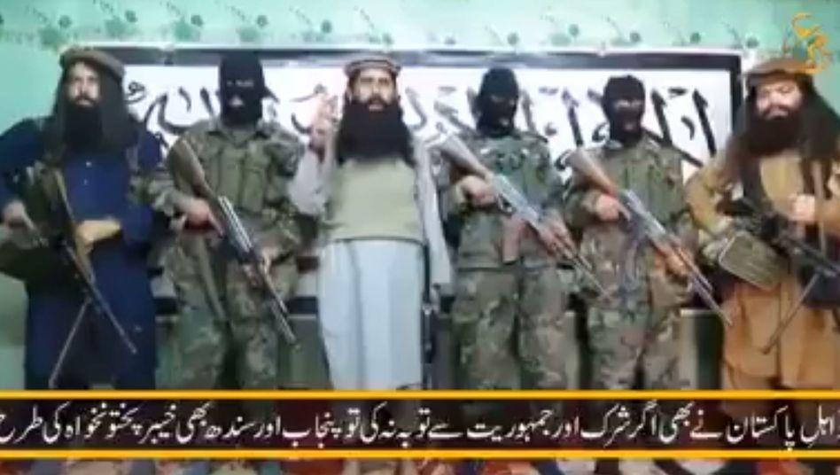 """Taliban-Kommandeur Mansoor (3.v.l.): """"Wir werden sie an den Orten töten, wo sie auf ihre Aufgaben vorbereitet werden"""""""
