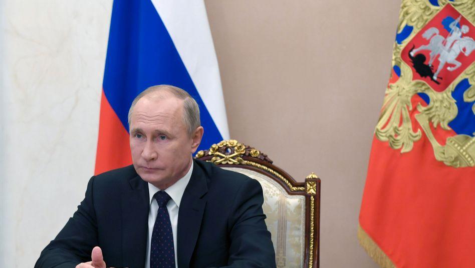 Aus einem Militärflugzeug, das auch Kremlchef Wladimir Putin zur Verfügung steht, wurde technisches Gerät entwendet
