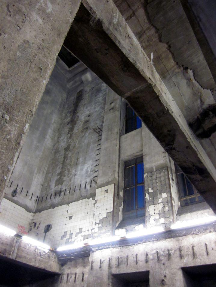 Klub Berghain: Eine düstere, verruchte Bunkerwelt