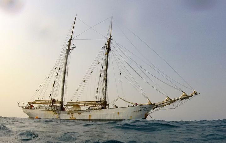 """""""Avontuur"""" auf Fahrt: An Bord waren 15 Menschen aus sieben Ländern"""