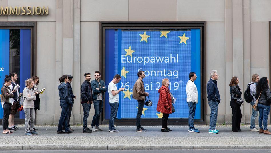 Schlange stehen für die Europawahl in Berlin, Mai 2019