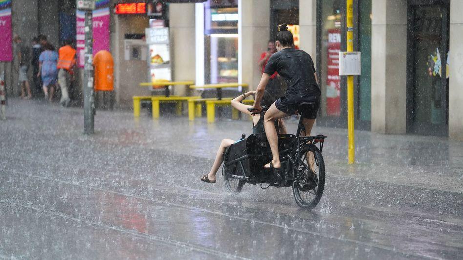 Alles nass in Berlin: 30 Prozent mehr Regen in Deutschland