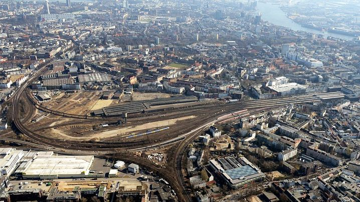 Hamburg-Altona: Bahnhofsumzug mit Hindernissen