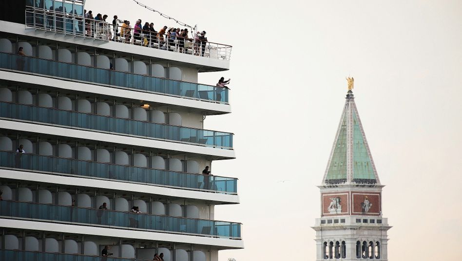 "A cruise ship in Venice: ""The psychology is a much bigger problem than the virus itself."""