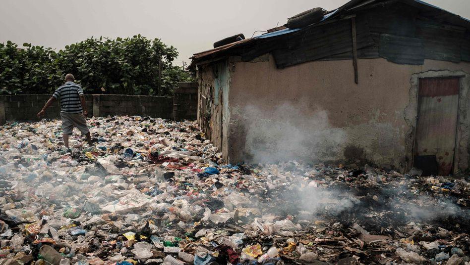 Landgewinnung in Mosafejo bei Lagos