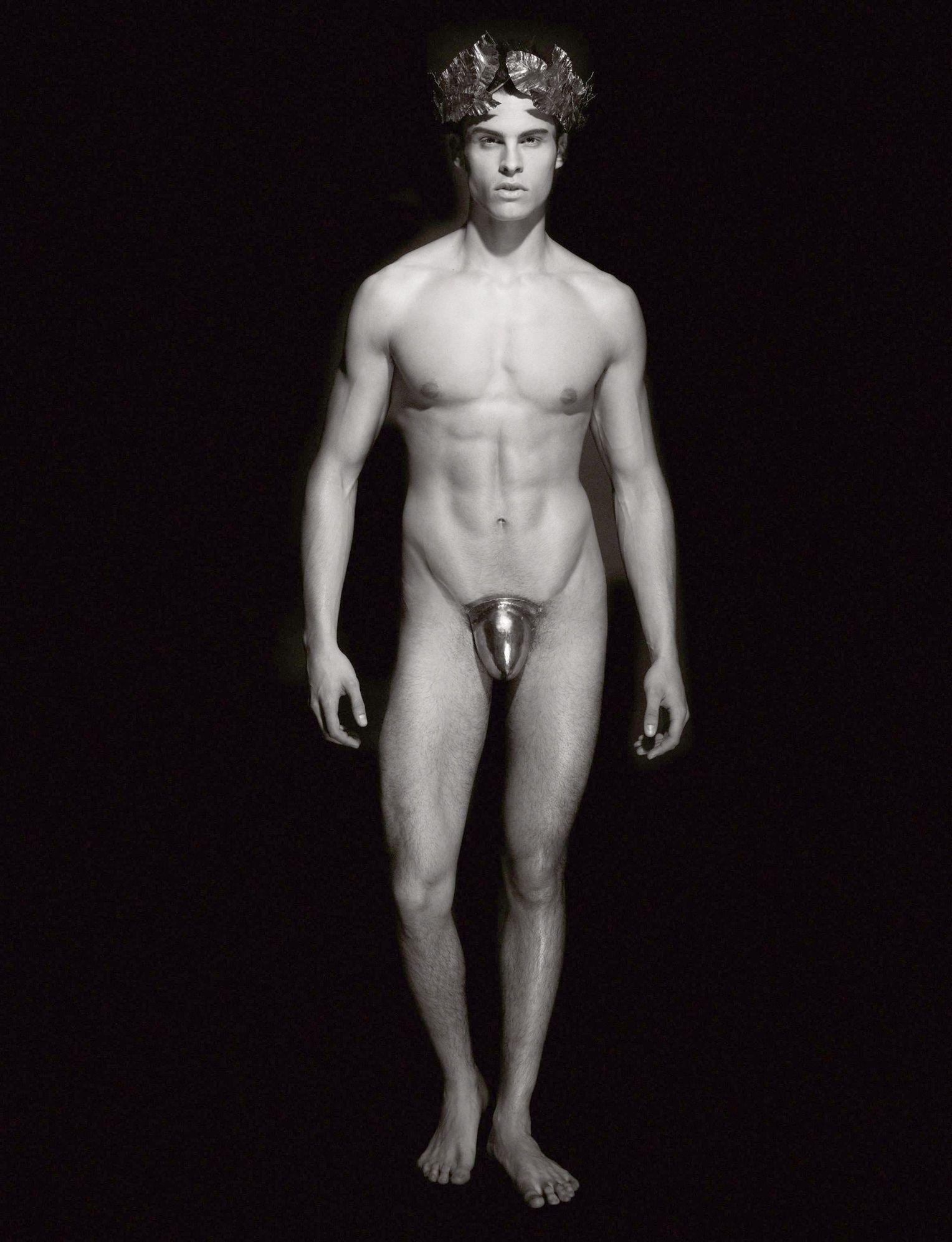 stehend frontal nackt frauen high heels
