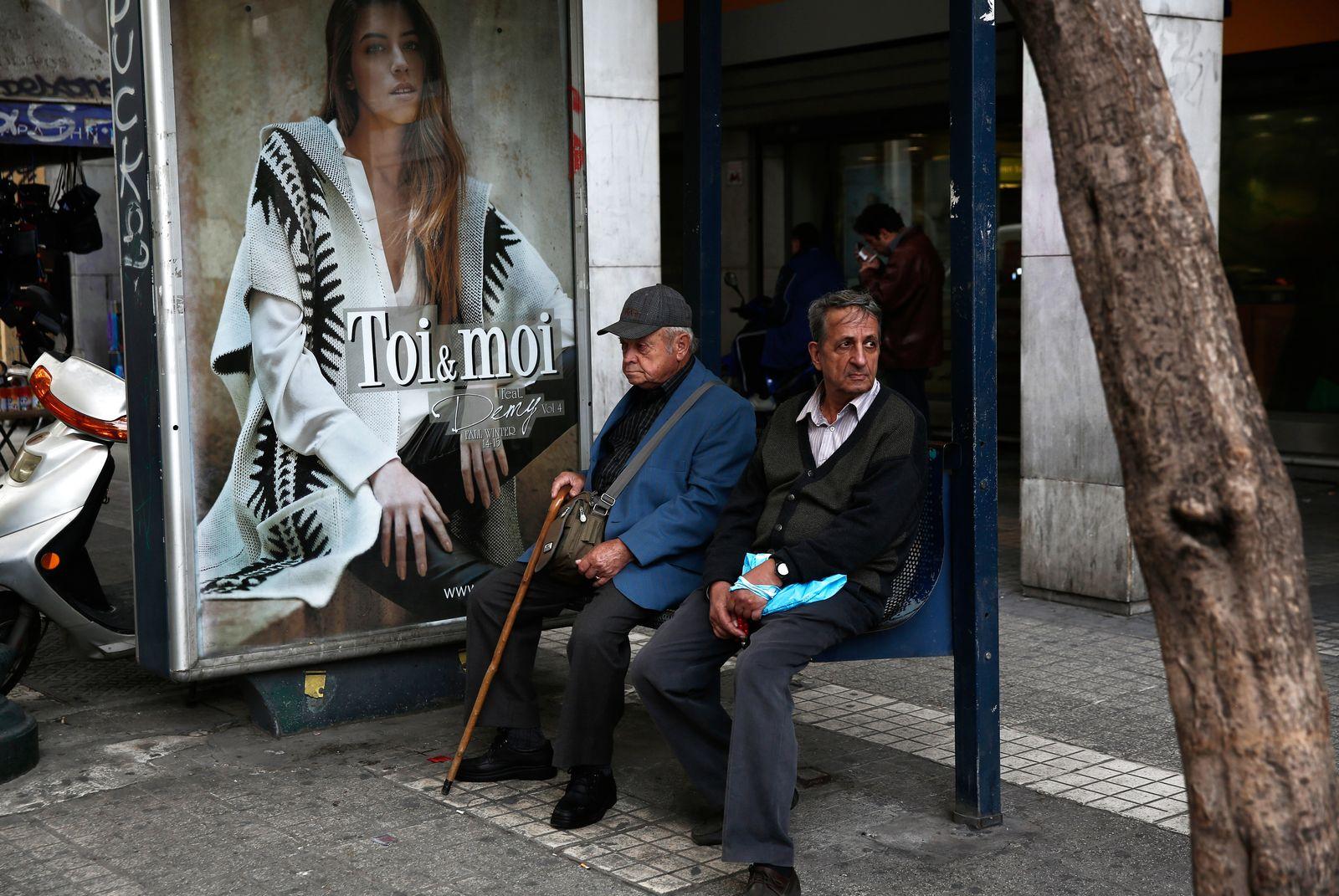 Griechenland / Menschen / Cafe / Alte Menschen / Rentner / Rente