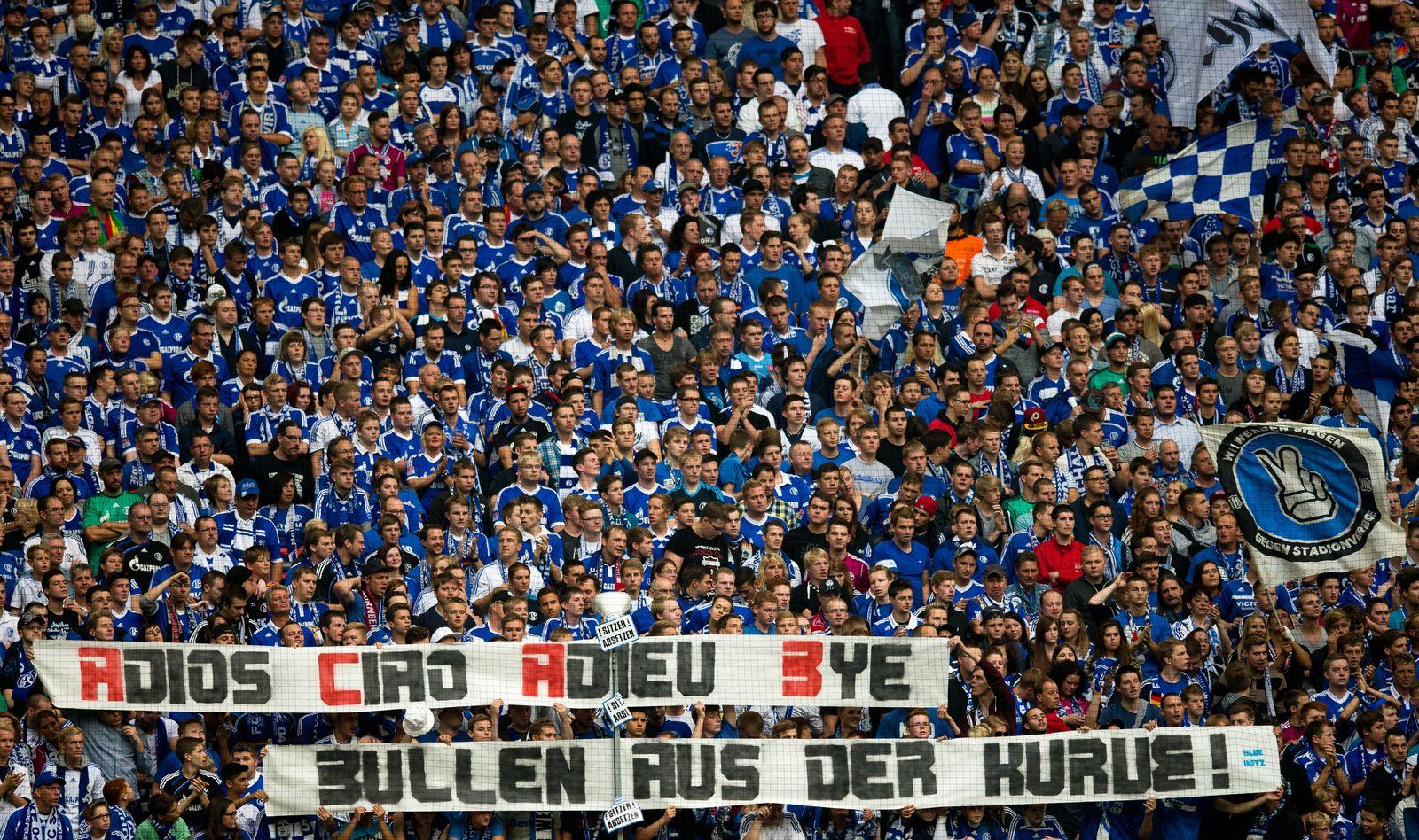 Schalke-Fans leverkusen banner