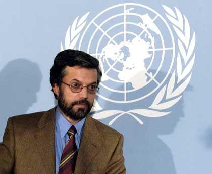 Selbstbewusster Politprofi der Vereinigten Front (ehemals Nordallianz) in Bonn: Afghanistans neuer Innenminister Junus Kanuni
