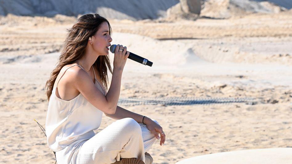 Lena Meyer-Landrut: Konzert auf dem Gelände einer Kiesgrube in Zossen