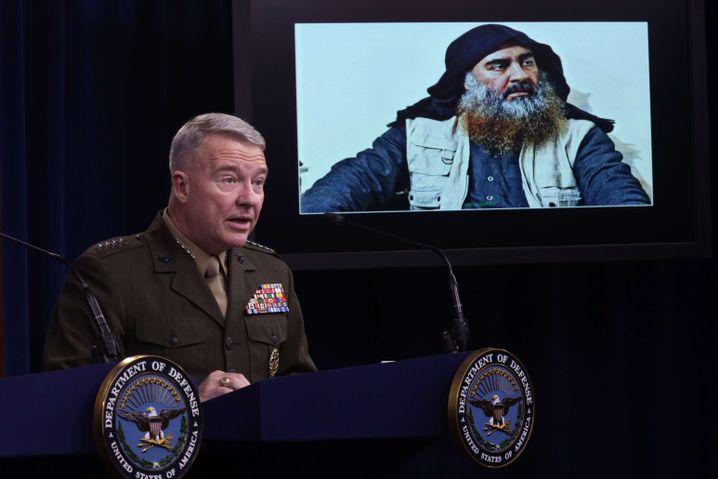 """Tod des """"Kalifen"""": US-General Kenneth McKenzie nach dem Einsatz, der zum Tod Abu Bakr al-Baghdadis führte"""