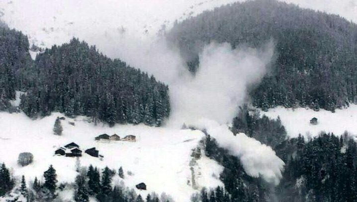 Lawinengefahr in den Alpen: Erste Skihütten in Frankreich evakuiert