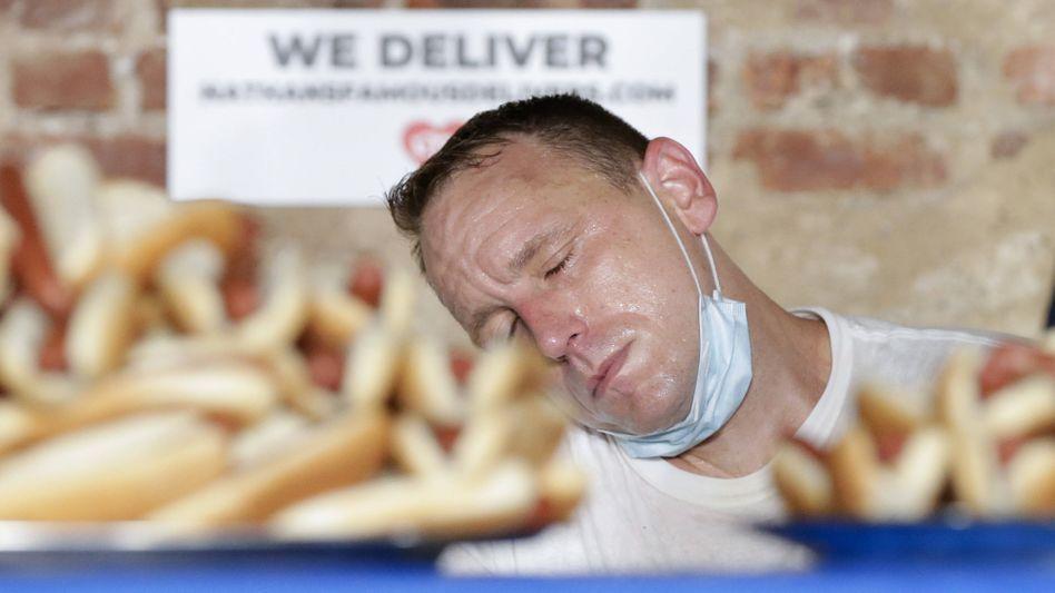 Wurstwettkämpfer Joey Chestnut: 22.000 Kalorien in zehn Minuten