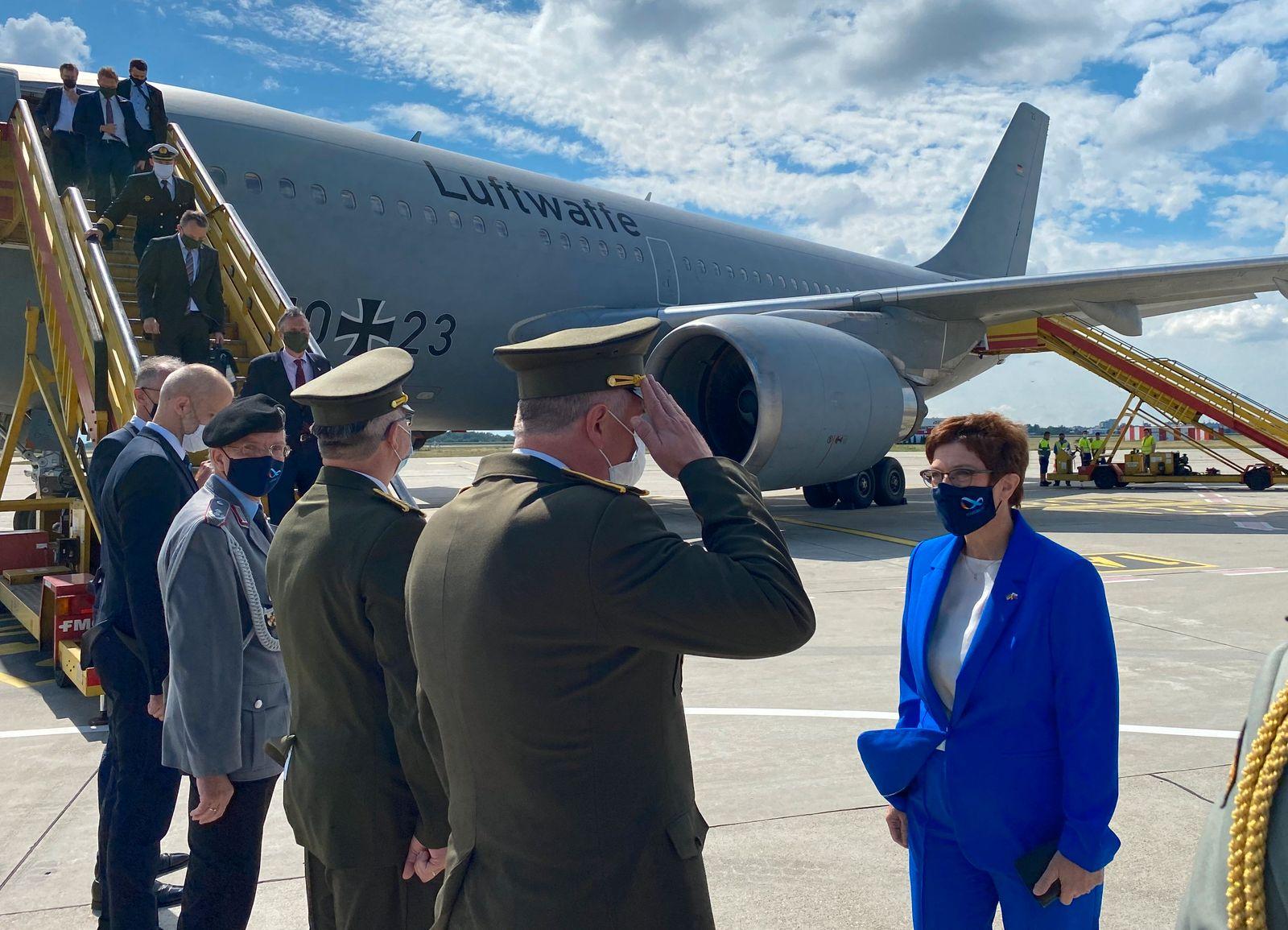 Verteidigungsministerin Kramp-Karrenbauer in der Slowakei