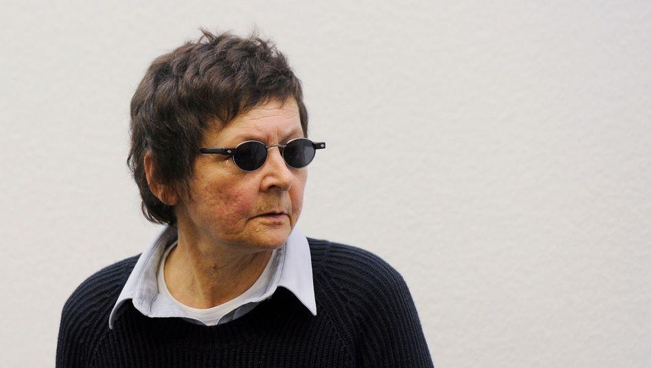 Prozess in Stuttgart: Ex-RAF-Terroristin Becker wegen Beihilfezu Buback-Mord verurteilt