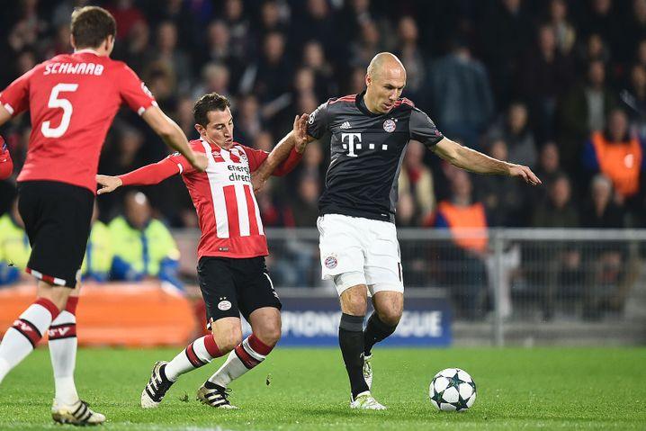 Arjen Robben (r.)